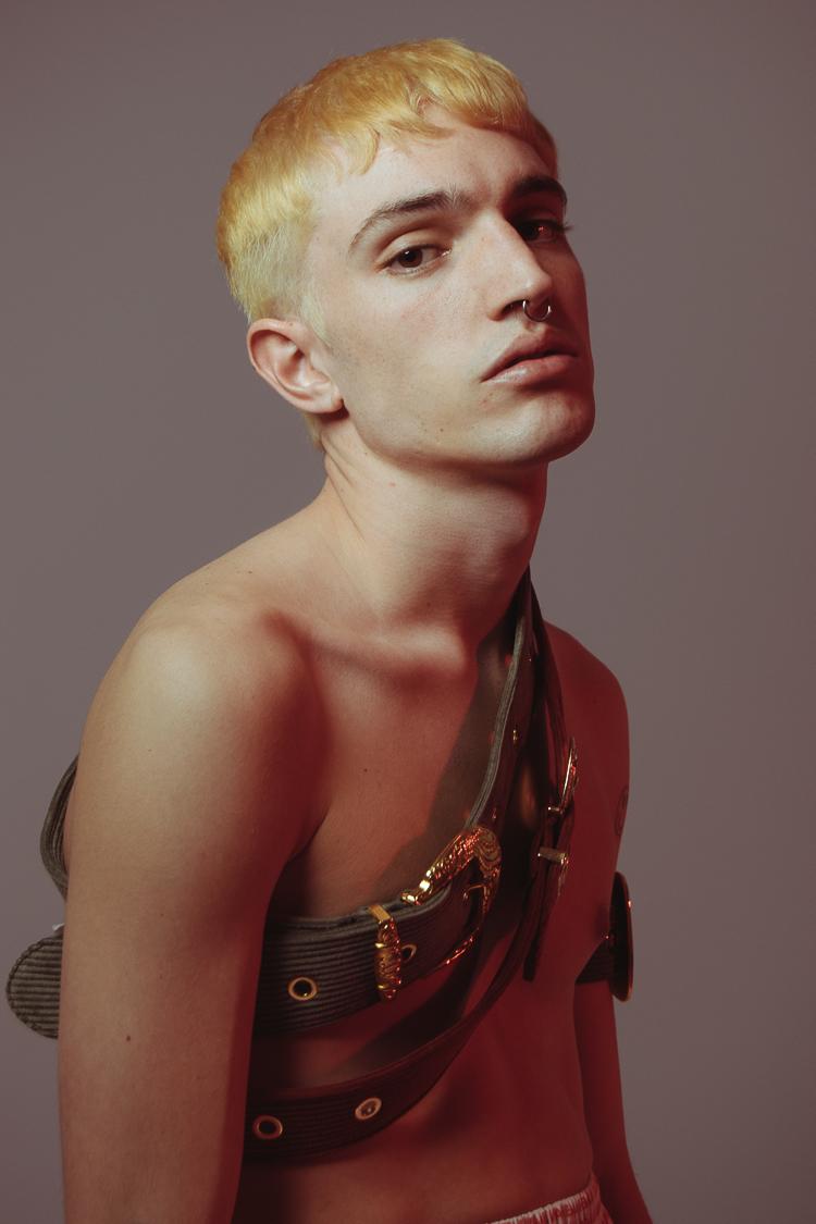 Blonde on blonde_07