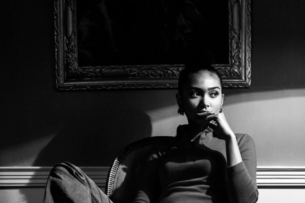 JOY CROOKES INTERVIEW NEWCOMER MUSIC NEWS R&B SOUL JAZZ SINGER SONGWRITER
