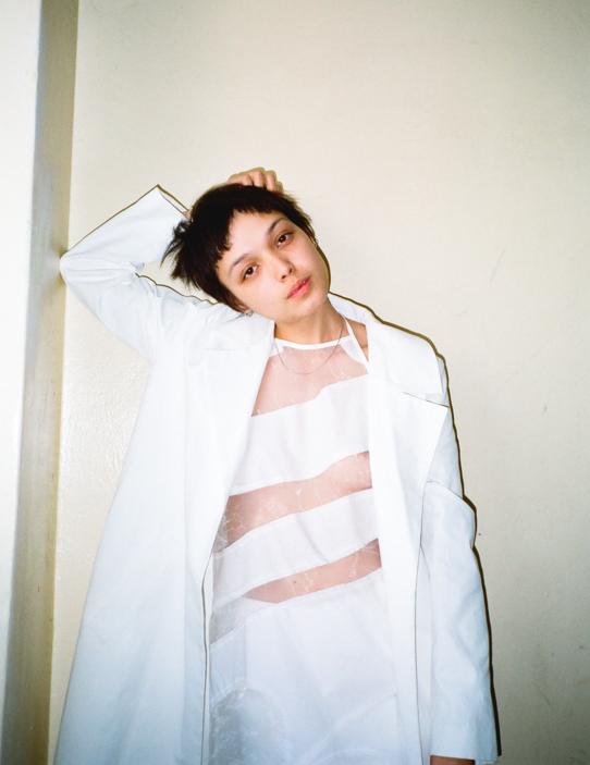 Kira Stachowitsch Ana Saraiva Weekday INDIE Magazine 11